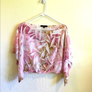 Flowy Crop pink and white floral top